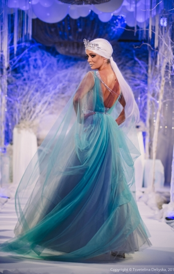 THE ICE QUEEN 30