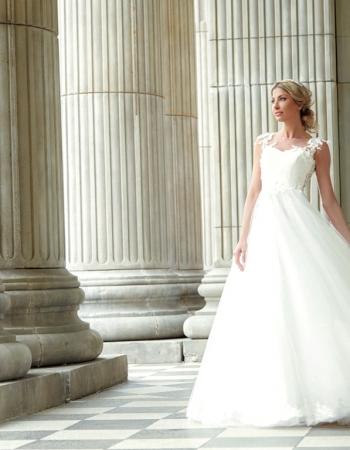 Сватбена рокля Evelyn, колекция 2017