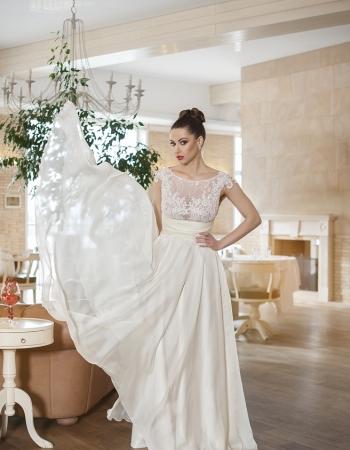 Сватбена рокля Lazara, колекция 2016