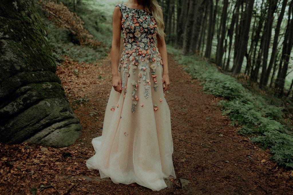 Официални рокли 2018 на дизайнер Поля Кинова