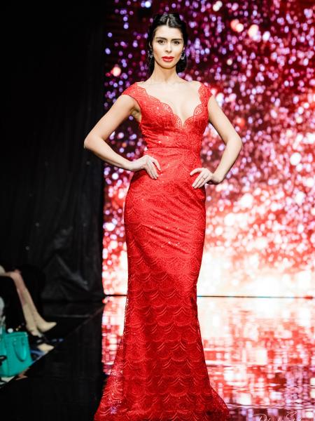 Червена рокля Sol