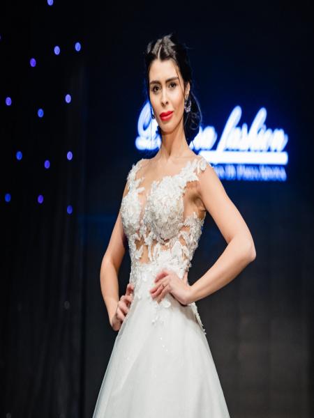Дантелена сватбена рокля Vanilla
