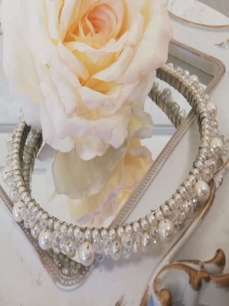 Диадема с чешки перли