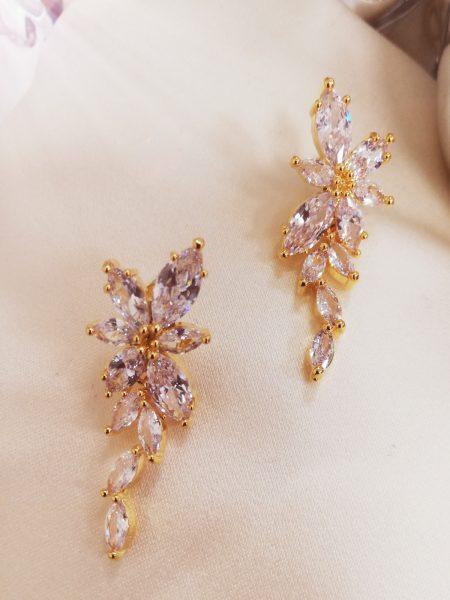 Висящи обеци с кристали